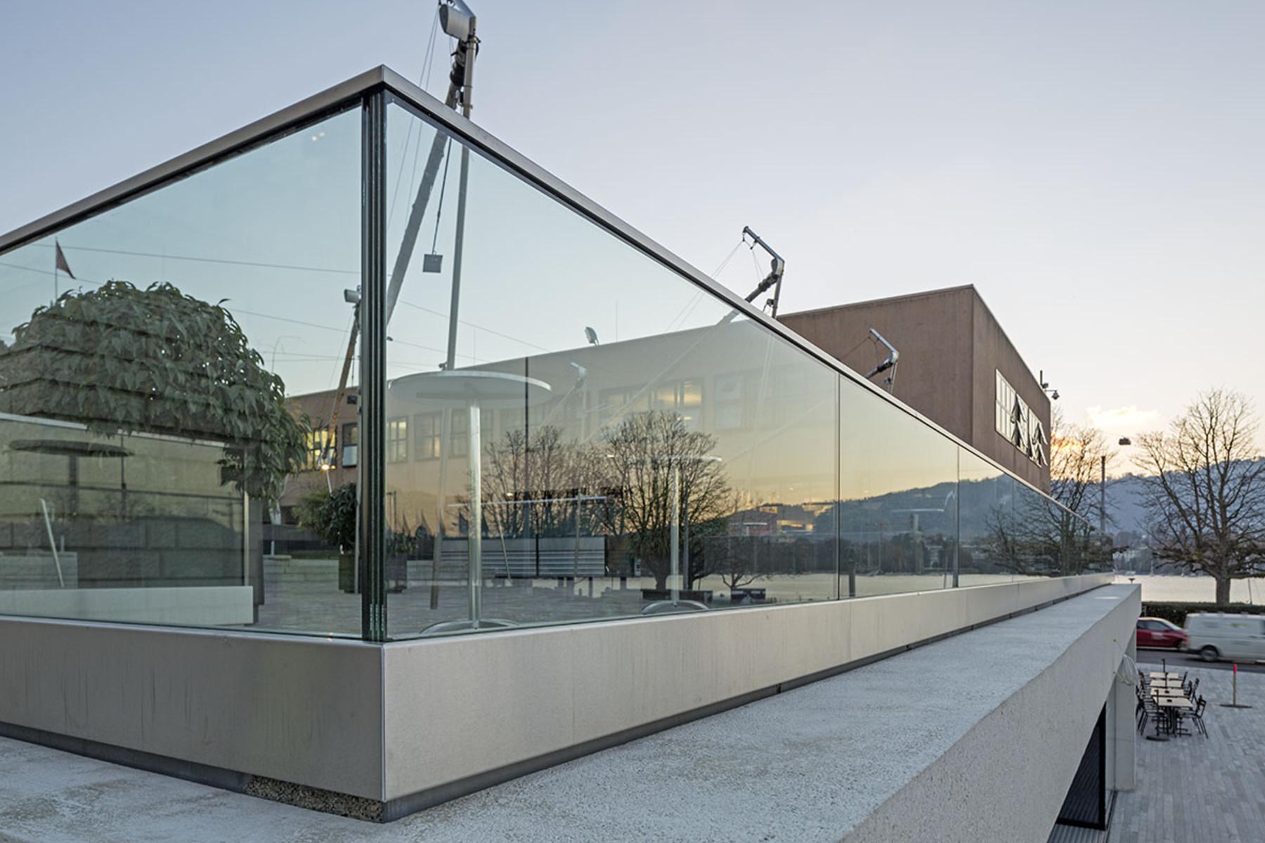 Kn Glass Balustrade