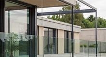 Gebäude mit Glas
